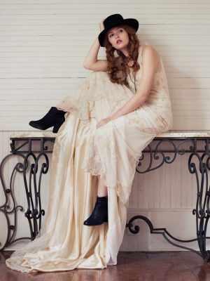 Edith Henry Stylist_editorial_Linda Asaf_bohemian_bridal 1